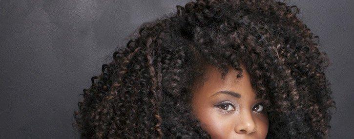 Secar el pelo afro y rizado al aire
